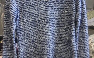 Zenia  blue top