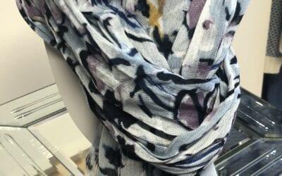Leo Guy baby blue mix scarf